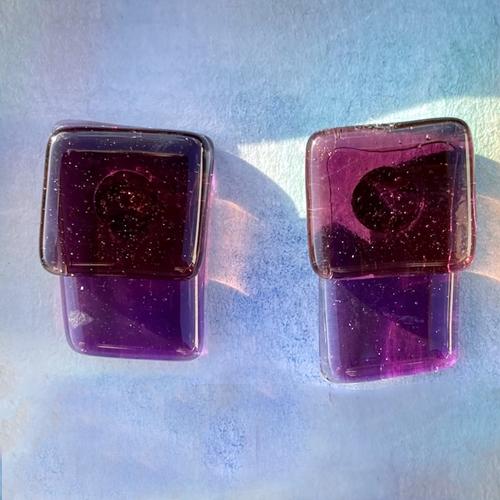 Unique-glass-studs--light-violet-pink-2